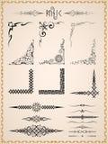 Ornamento d'annata ed angoli della runa royalty illustrazione gratis