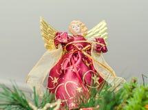 Ornamento da árvore de Angel Christmas, chapéu de coco, fim acima Anjo vestido com asas Imagem de Stock