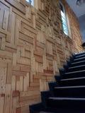 Ornamento da parede e escadas pretas Imagem de Stock Royalty Free