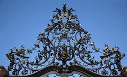 Ornamento da porta do ferro feito fotografia de stock
