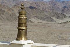 Ornamento de cobre amarillo de la azotea, Ladakh Imagenes de archivo