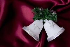 Ornamento de la alarma de la Navidad con el abeto Imágenes de archivo libres de regalías