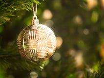 Ornamento de la bola de la Navidad Foto de archivo