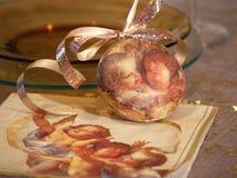 Ornamento de la Navidad con ángeles Imagen de archivo libre de regalías