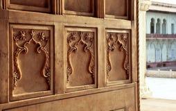 Ornamento de mármore nas paredes do palácio Imagens de Stock