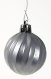 Ornamento de prata de suspensão do Natal Fotografia de Stock Royalty Free