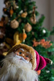 Ornamento de un árbol de navidad adornado Imagenes de archivo
