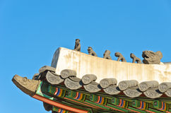 Ornamento decorativo de la azotea coreana antigua del estilo Fotografía de archivo