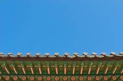 Ornamento decorativo de la azotea coreana antigua del estilo Fotografía de archivo libre de regalías