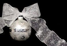 Ornamento di natale (argento) immagini stock