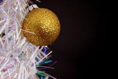 Ornamento di natale sull'albero Immagini Stock
