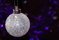 Ornamento do bauble da árvore de Natal imagens de stock royalty free