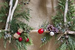 Ornamento do Natal com plantas naturais fotografia de stock royalty free