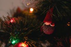 Ornamento do Natal em uma árvore de Natal Fotografia de Stock Royalty Free