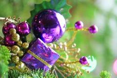 Ornamento do Natal na árvore Fotos de Stock Royalty Free