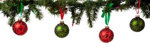 Ornamento do Natal que pendura da festão imagens de stock