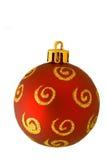 Ornamento dorato rosso di natale isolato Fotografie Stock