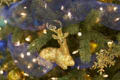 Ornamento dos cervos da árvore de Natal imagem de stock