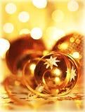 Ornamento dourado da árvore de Natal dos baubles Foto de Stock