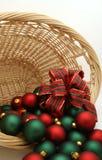 Ornamento em uma série da cesta - Ornaments5 do Natal Fotos de Stock Royalty Free
