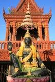 Ornamento: Estatua de dios de INDRA con la muestra de la mano Imagenes de archivo