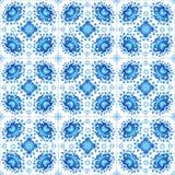 Ornamento floral azul en la teja blanca Imagen de archivo libre de regalías