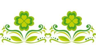 Ornamento inconsútil con los quatrefoils verdes Imágenes de archivo libres de regalías