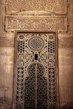 Ornamento islámico de la ventana de la mezquita de Rifa'i del sultán Imagen de archivo libre de regalías