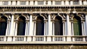 Ornamento quadrados macro das janelas de San fotos de stock