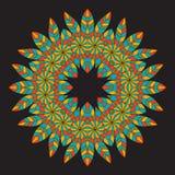 Ornamento redondo da afiliação étnica colorida no fundo preto Circ Imagens de Stock