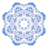 Ornamento redondo indio, estampado de flores caleidoscópico, mandala Diseño hecho en el estilo y los colores rusos del gzhel Fotografía de archivo