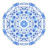 Ornamento redondo indio, estampado de flores caleidoscópico, mandala Diseño hecho en el estilo y los colores rusos del gzhel Foto de archivo