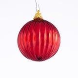 Ornamento rojo de la bola de la Navidad Foto de archivo libre de regalías