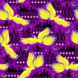 Ornamento senza cuciture del modello con i pappagalli di volo della fiaba orientale royalty illustrazione gratis