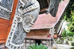 Ornamentos étnicos de la casa de Sumatran Batak Imagen de archivo libre de regalías
