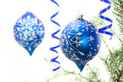 Ornamentos azules de la Navidad Fotos de archivo libres de regalías