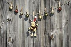 Ornamentos colgantes de la Navidad Imagenes de archivo