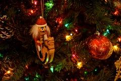 Ornamentos de la Navidad - cascanueces imagen de archivo