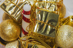 Ornamentos de la Navidad de las decoraciones del color oro para la Navidad Imagen de archivo libre de regalías