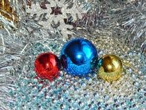 Ornamentos de la Navidad, decoraciones, aún vida, fondo, composición Imagen de archivo libre de regalías