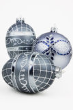 Ornamentos de plata de la Navidad Fotos de archivo