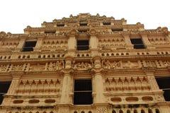 Ornamentos del campanario en el palacio del maratha del thanjavur Foto de archivo