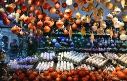 Ornamentos del mercado de la Navidad Fotos de archivo