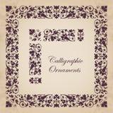 Ornamentos, esquinas, fronteras y marcos caligráficos decorativos Imágenes de archivo libres de regalías