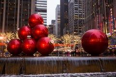 Ornamentos gigantes de la Navidad Fotografía de archivo