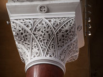 Ornamentos hermosos - columna de ayuda de mármol Imagenes de archivo