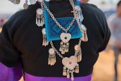 Ornamentos tradicionales de la plata de la tribu de la colina Fotografía de archivo libre de regalías