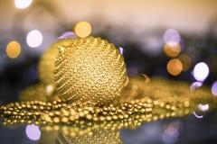 Ornamentos y bolas del árbol de navidad Foto de archivo
