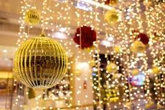 Ornamentos y decoraciones de la Navidad Foto de archivo
