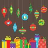 Ornamentos y regalos de la Navidad Imagen de archivo libre de regalías